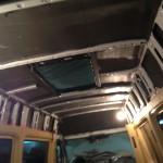 splen na potolok mikroavtobusa